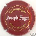 Champagne capsule 17 Rouge, or et blanc, inscription sur contour