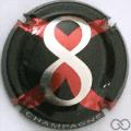 Champagne capsule 2 8, métal et rouge sur fond noir